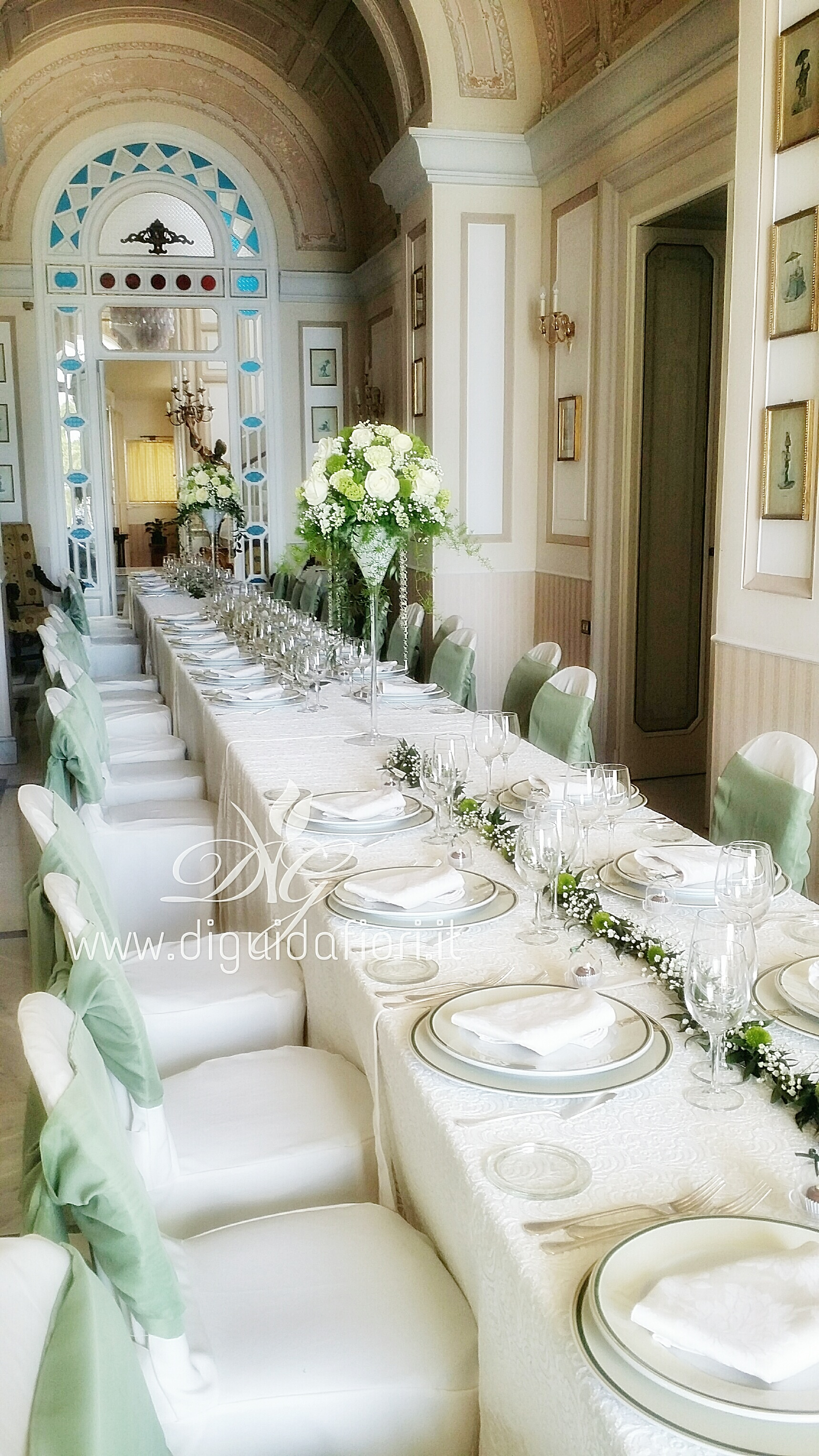 Tavolo imperiale per matrimonio villa cilento posillipo napoli fiorista roberto di guida - Composizioni floreali per tavoli ...