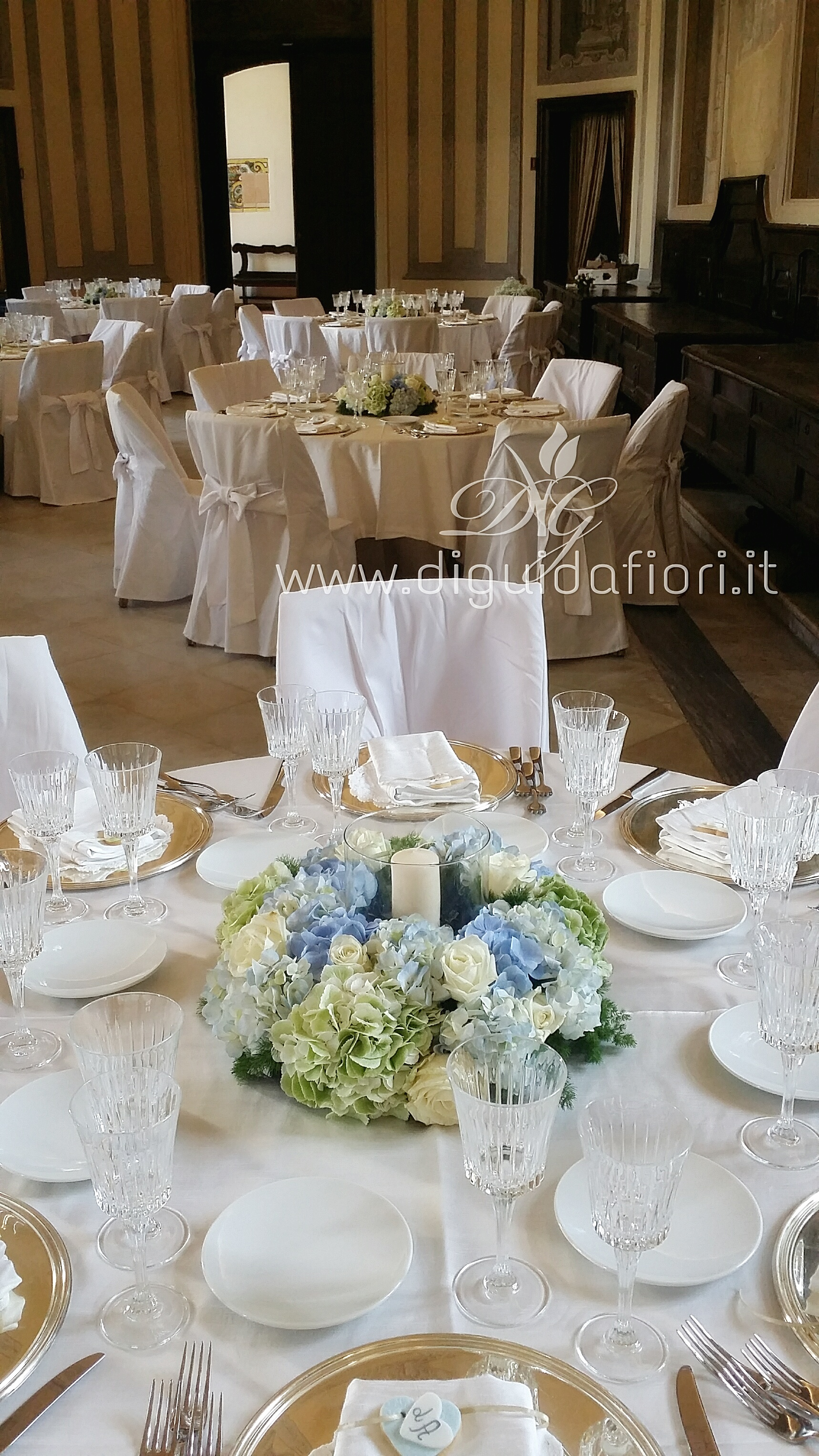 Centrotavola floreale per matrimonio – Chiostro di Santa Chiara Napoli