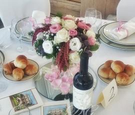 Centrotavola floreale con uva fresca – matrimonio Villa Cilento Napoli