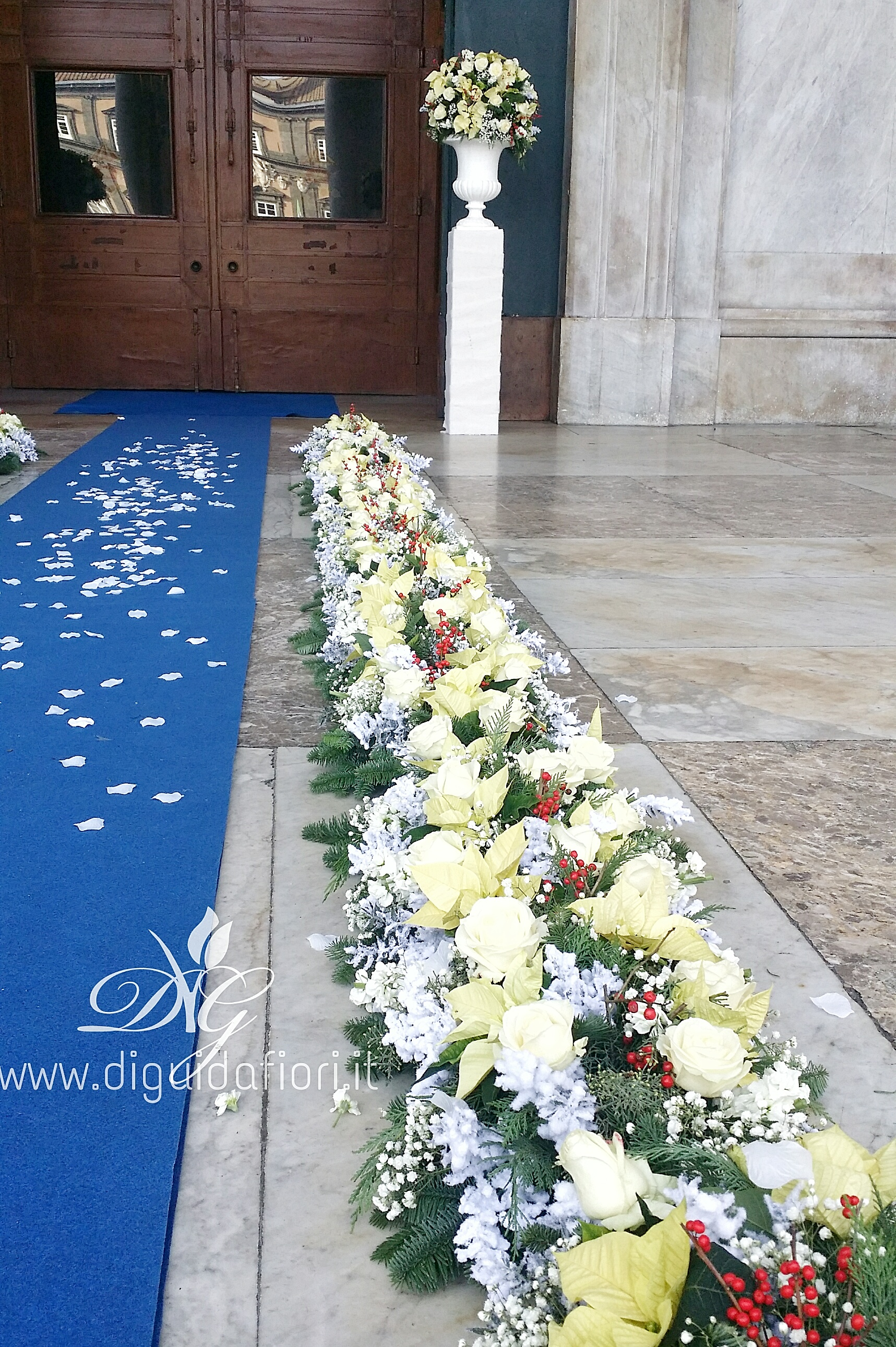 Matrimonio Natale Napoli : Addobbo floreale per matrimonio chiesa san francesco di