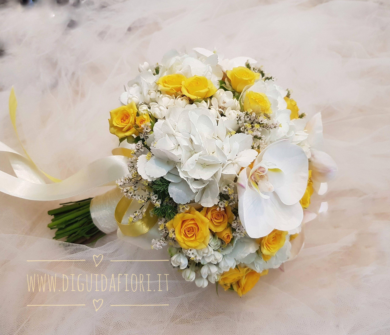 Bouquet Sposa Giallo.Bouquet Da Sposa Bianco E Giallo Fiorista Roberto Di Guida