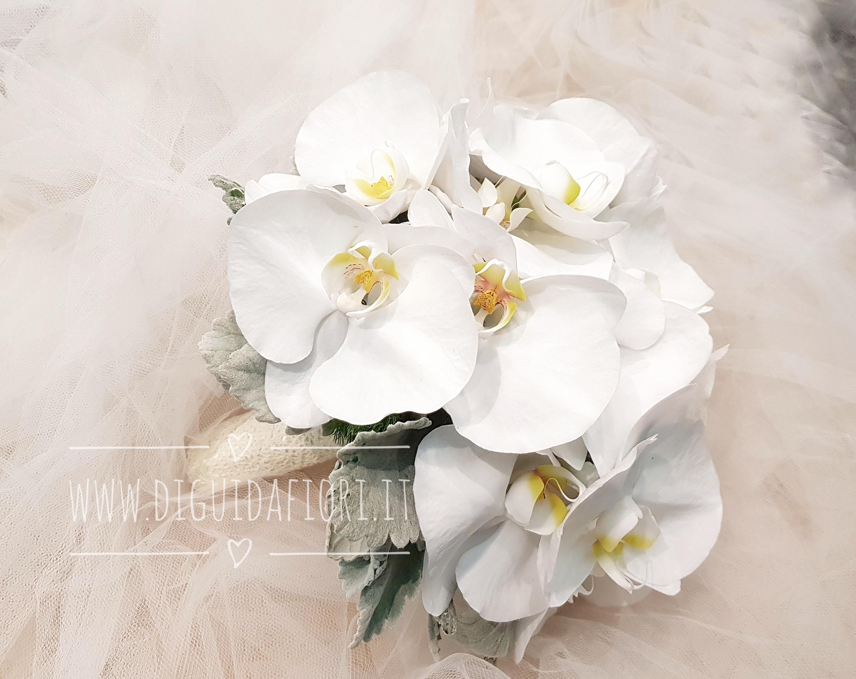Bouquet da sposa con orchidee phalaenopsis bianche