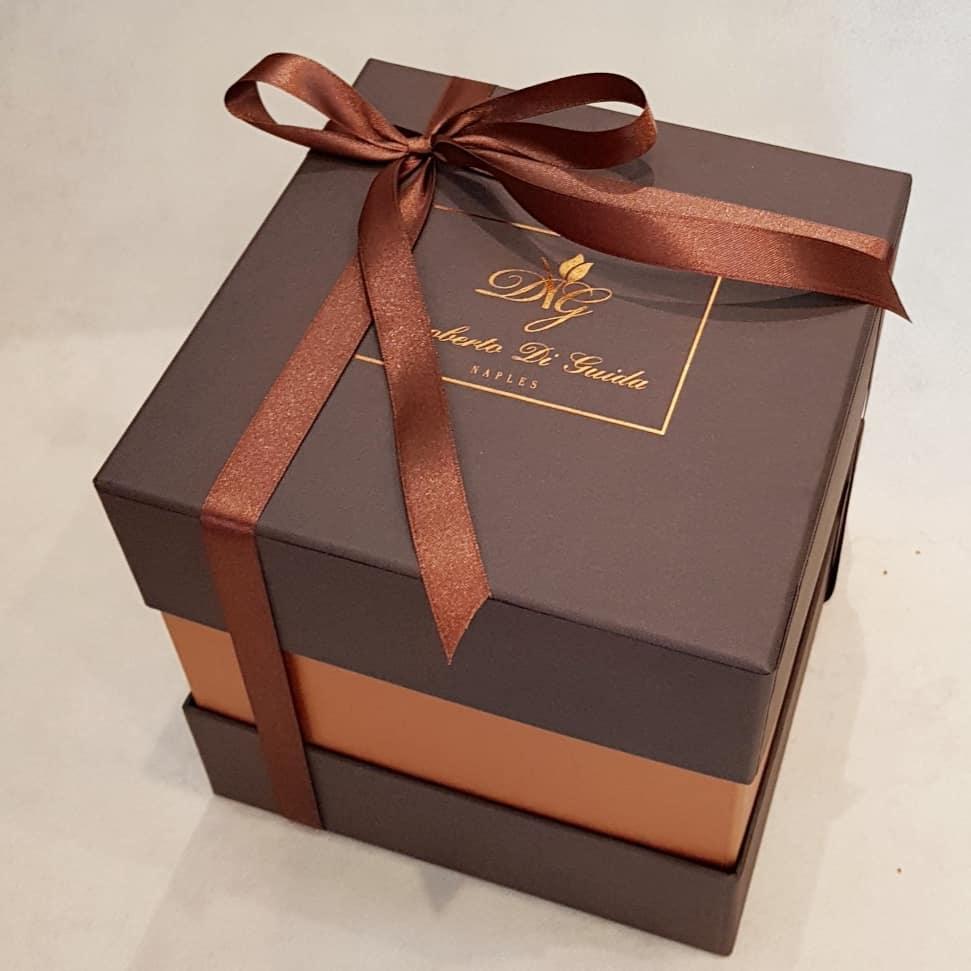 9 rose rosse extra in scatola color cioccolato
