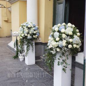 Allestimento floreale per matrimonio- Bianco e azzurro polvere